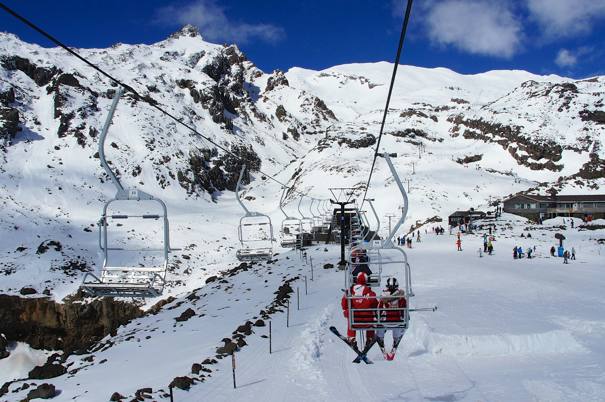 the 10 best skiing destinations in new zealand. Black Bedroom Furniture Sets. Home Design Ideas