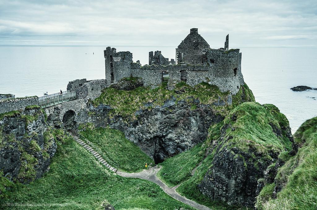 Dunluce Castle |© Michał Huniewicz/ Flickr