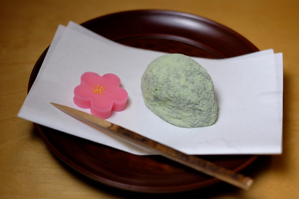 Uguisu mochi (warbler rice cake) | © Jun Seita/Flickr