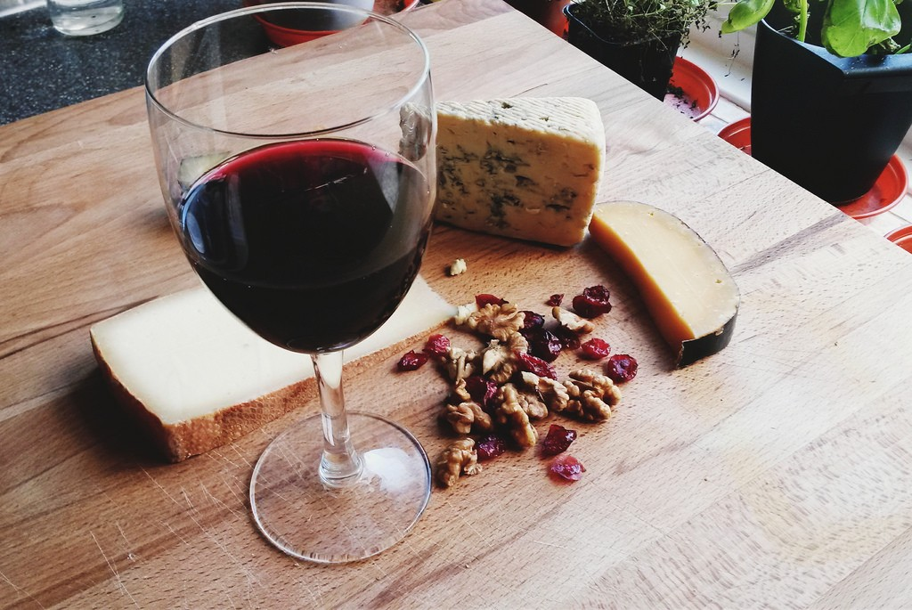 Wine And Cheese | © vanessa lollipop / Flickr