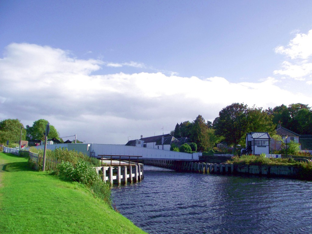 Caledonian Canal at Clachnaharry | © Dave Conner/Flickr