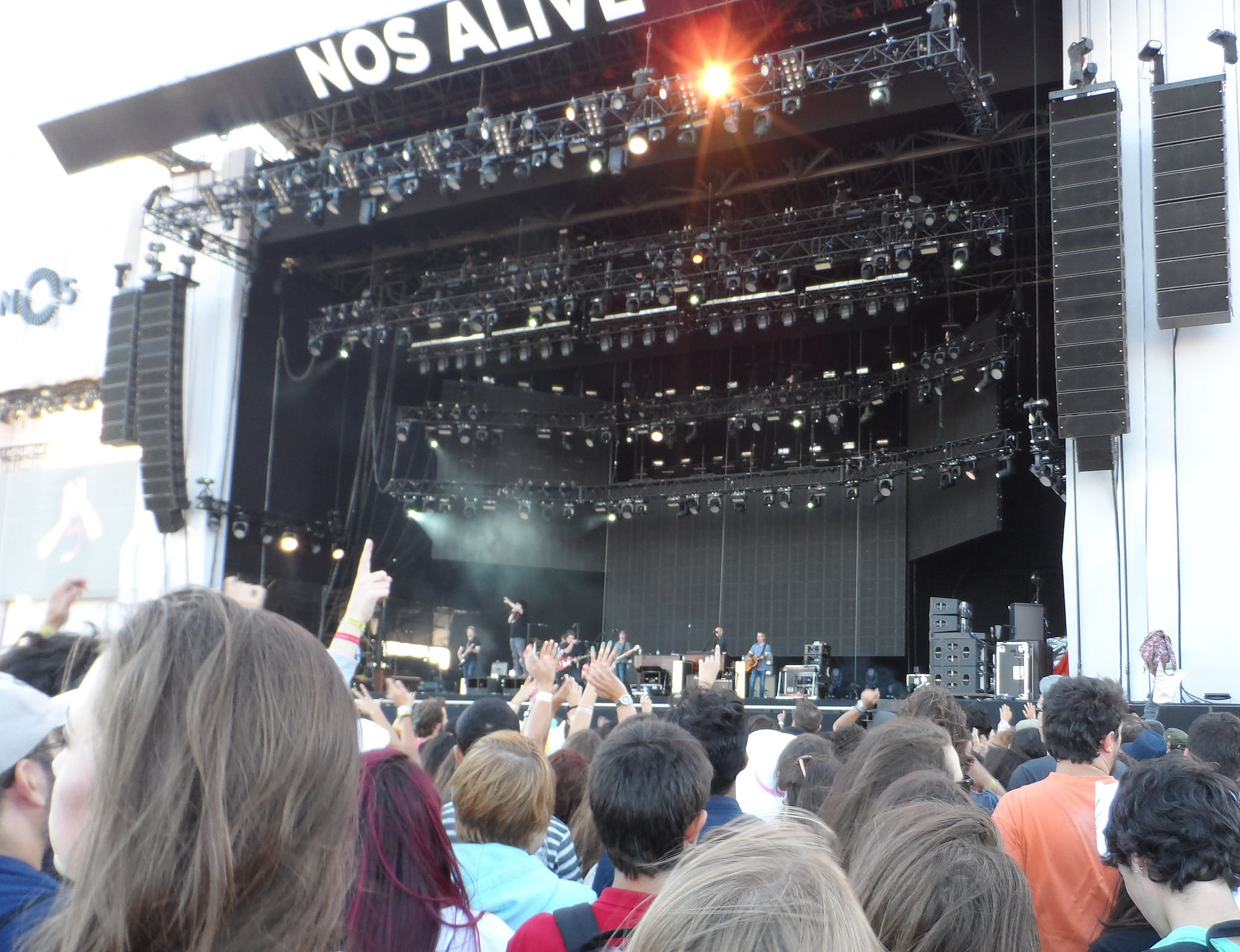 Counting Crows on stage at NOS Alive in 2015 © Chris / Flickr