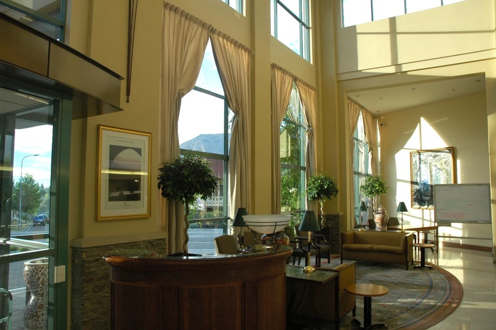 Millenium Hotel Reception, Queenstown | © Peter Harrison/Flickr