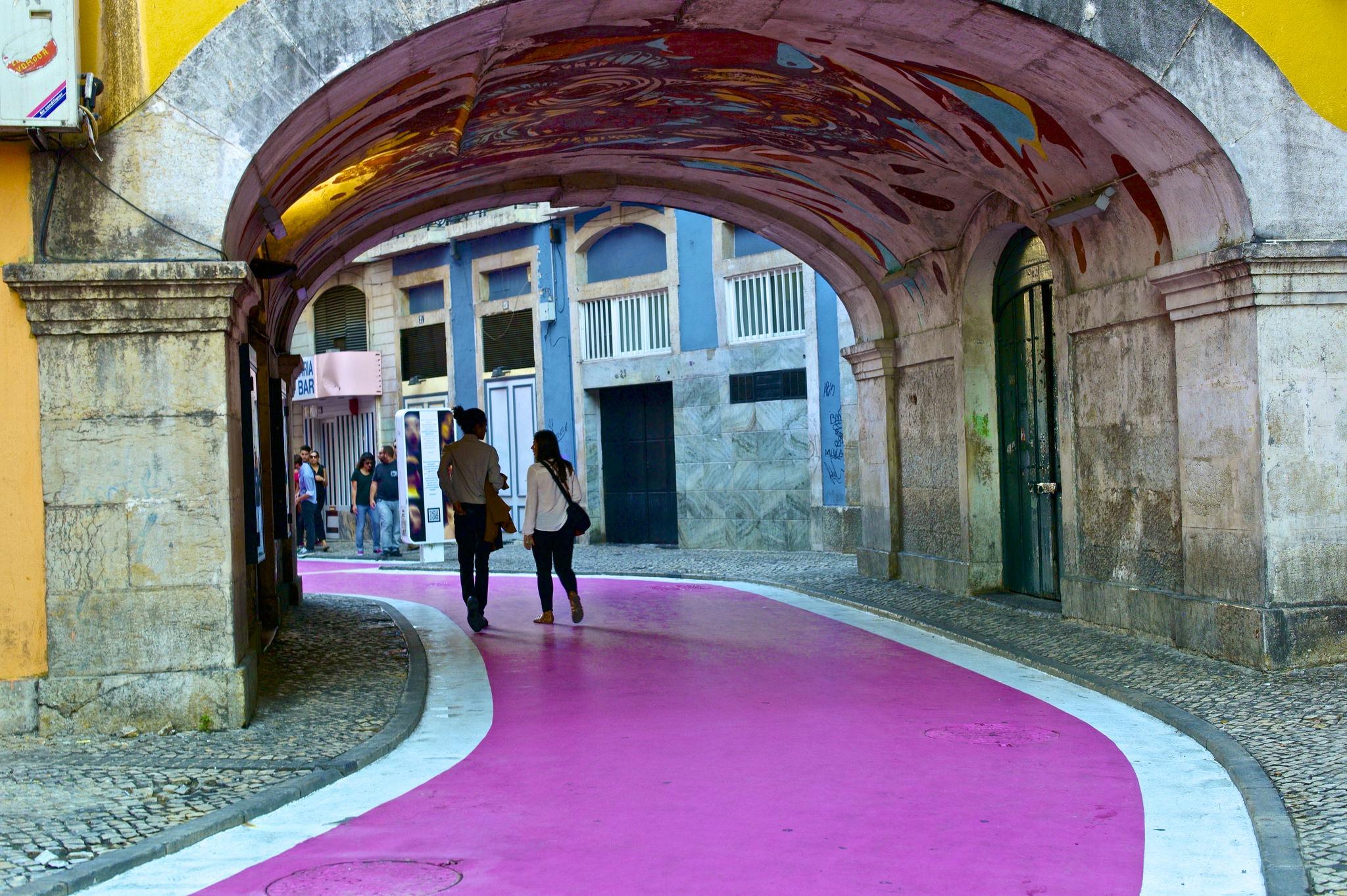 Lisbon's Pink Street © Pedro Ribeiro Simões / Flickr
