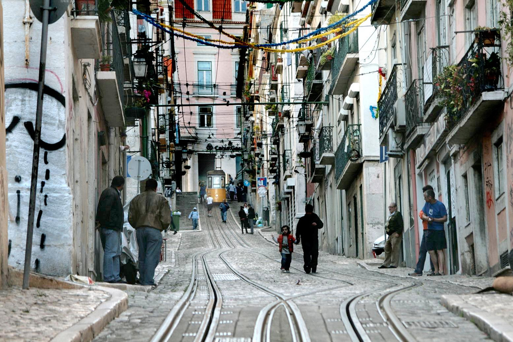 Bairro Alto, Lisboa © p-b 70 / Flickr