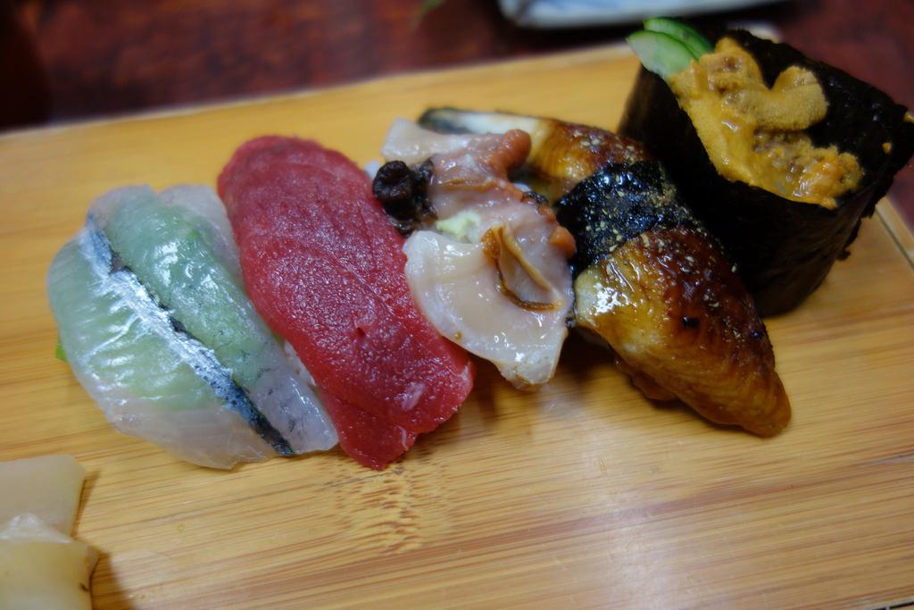 Sushi platter | © pelican / Flickr