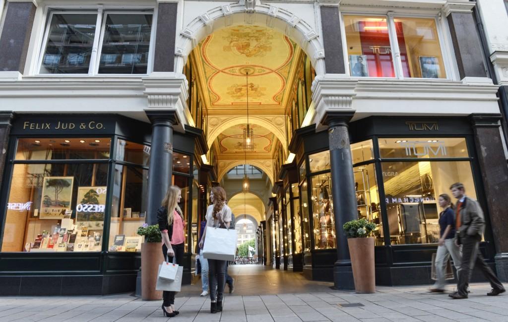 Luxury shopping in Hamburg | © www.mediaserver.hamburg.de / Sven Schwarze