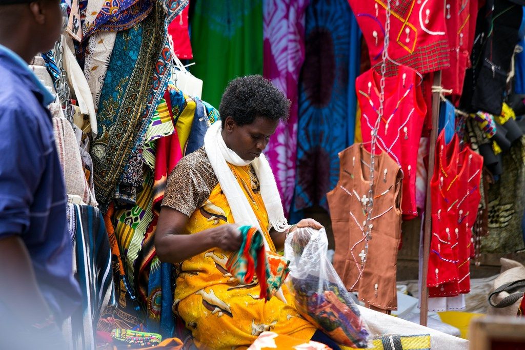 An artisan in a Maasai market | © ITU Pictures / Flickr