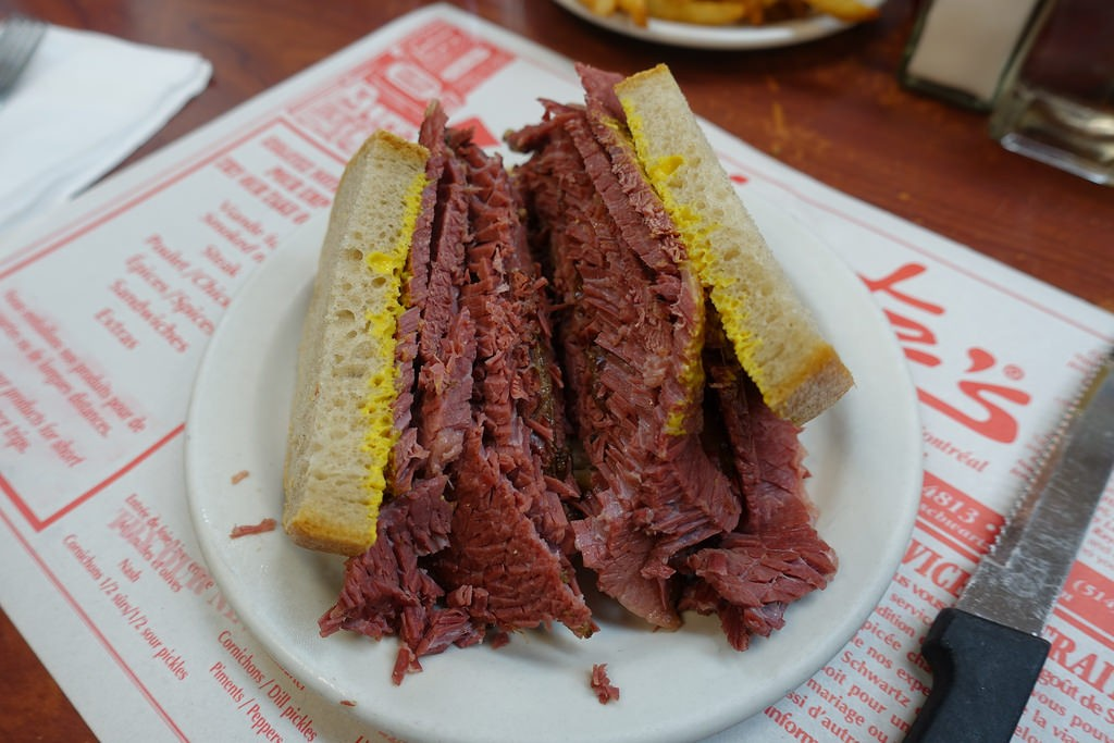 Montreal Smoked Meat Sandwich | © Guilhem Vellut / Flickr