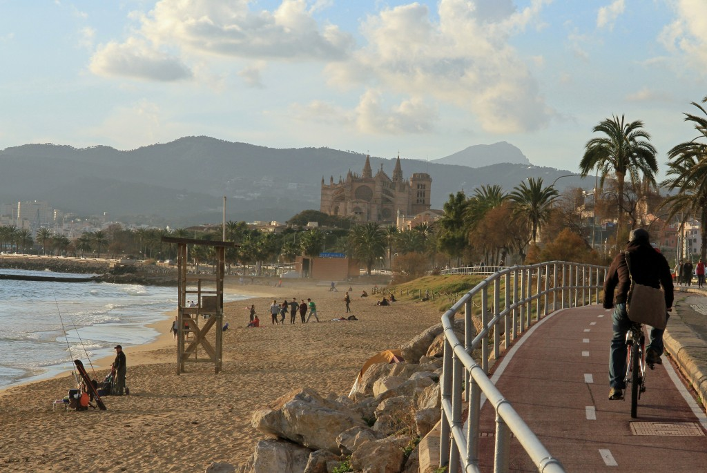 Palma beachfront © Andreas Trojak / Flickr