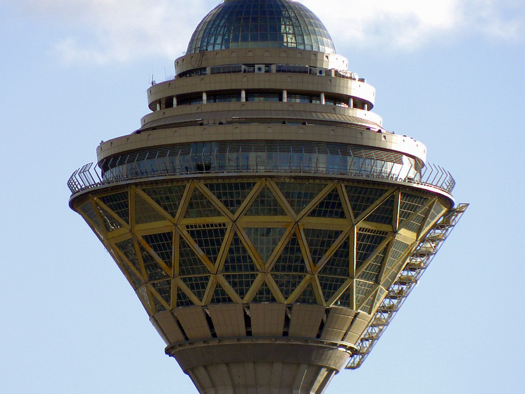 The observation deck of Milad Tower offers fantastic views of the city | © nima; hopographer / Flickr