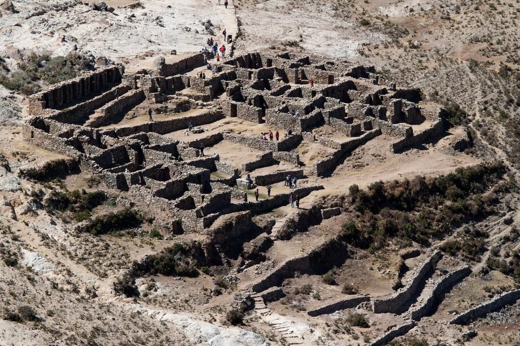 Inca ruins on Isla del Sol   © Jimmy Harris/Flickr