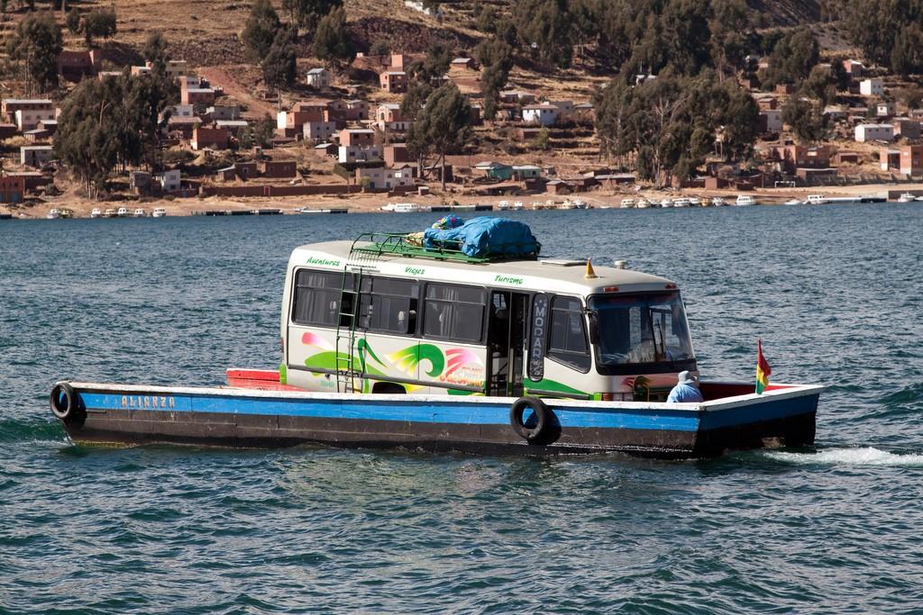 Ferry near Copacabana   © Jimmy Harris/Flickr