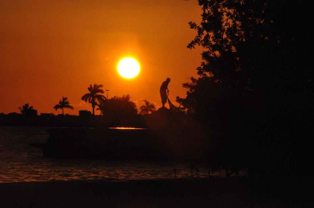 Sunset in Chetumal   © Tabi/Flickr