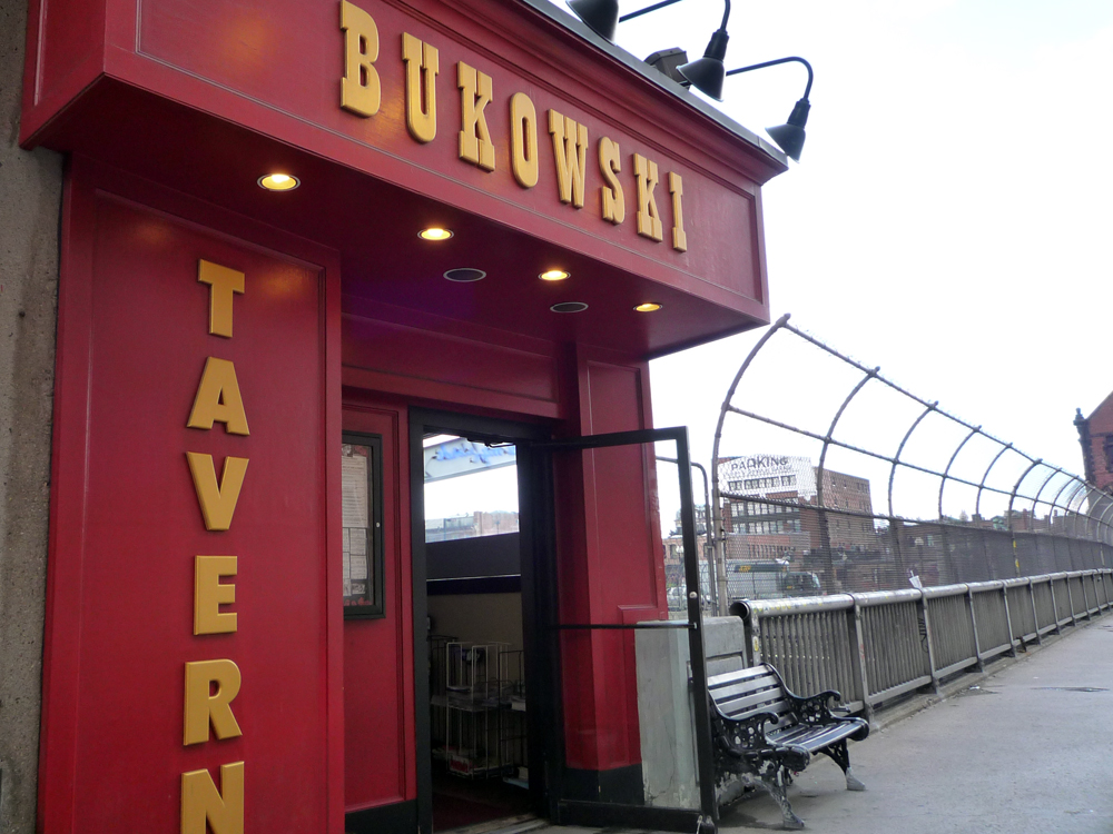 Bukowski Tavern | © J.H. Fearless / Flickr