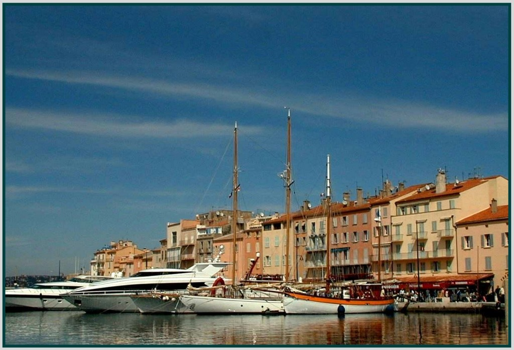 St Tropez is as famous for its yachts as anything else| © Monica Arrellano-Ongpin/Flickr