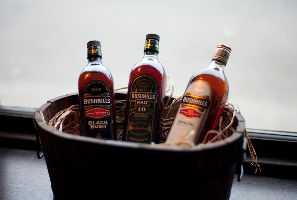 Bushmills Distillery and Inn | © Andy Smith/ Flickr