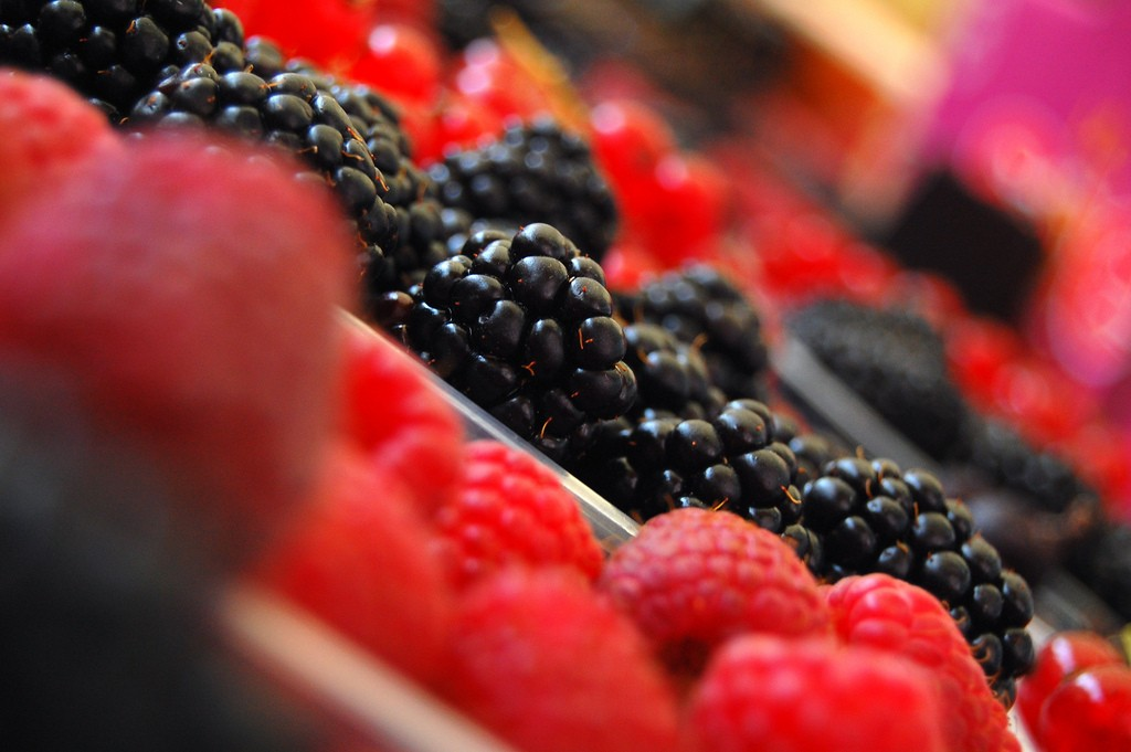 Berries | © jayneandd/Flickr