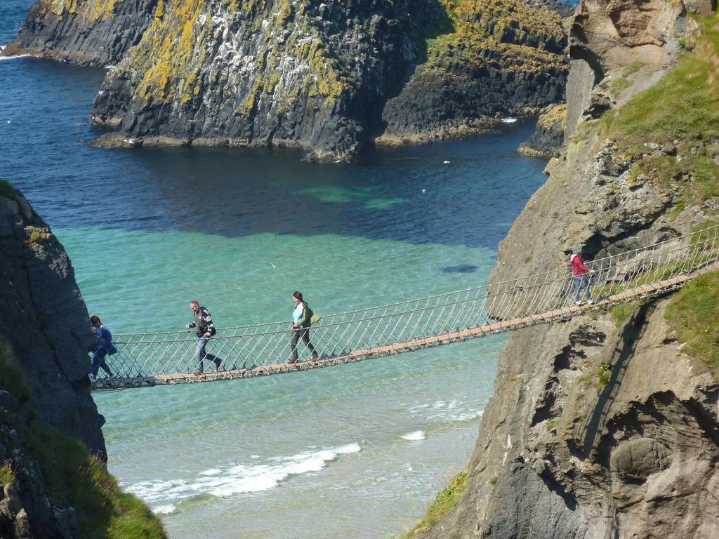 Carrick-a-Rede Rope Bridge | © Sean MacEntee/ Flickr
