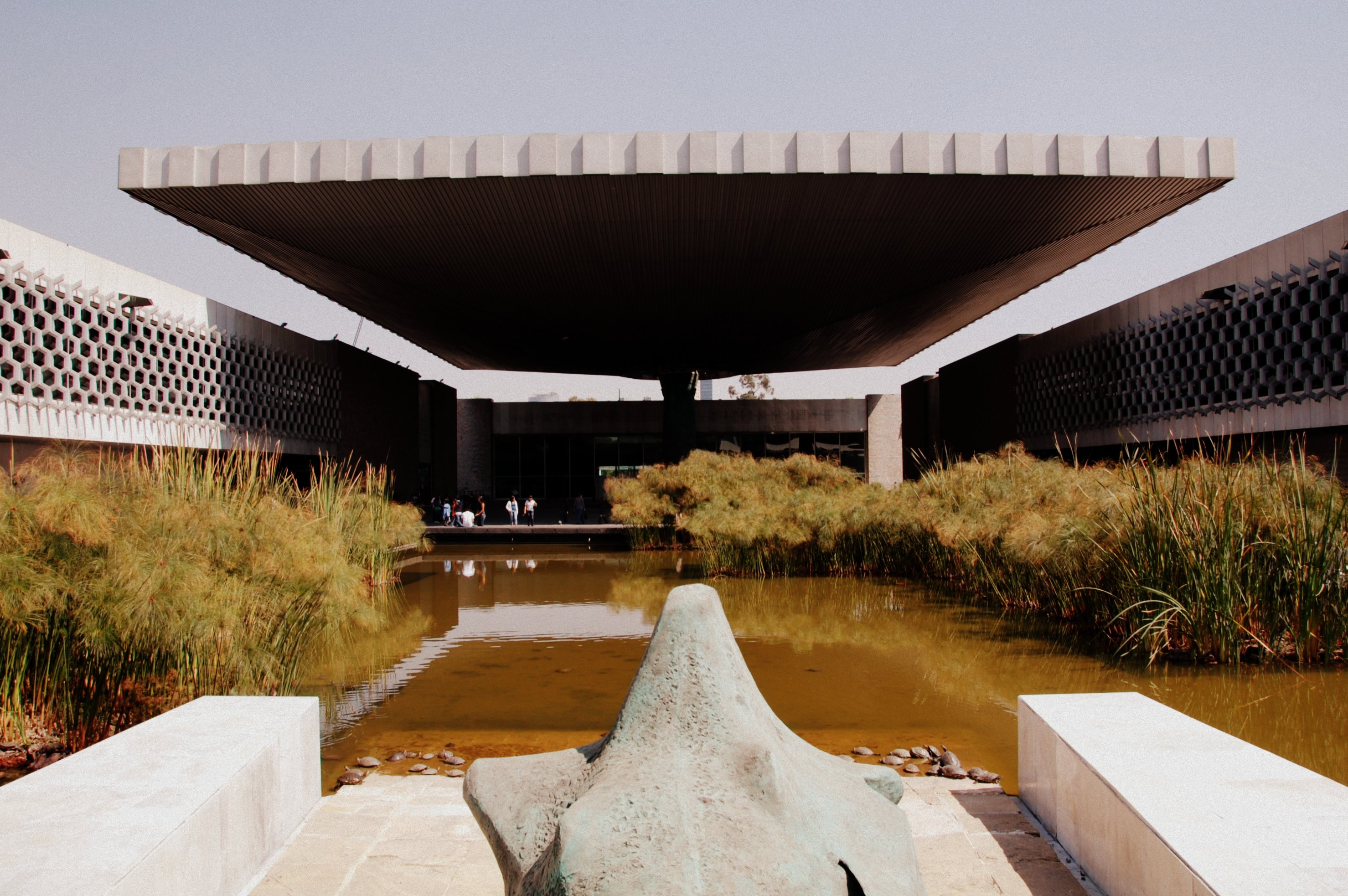 Museo Nacional de Antropología, showing the scale of El Paraguas | © LWYang/Flickr