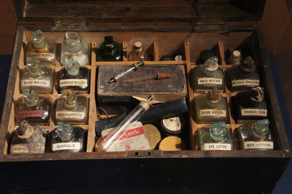 Old First Aid Kit, Aberdeen Maritime Museum | © Chris Hoare/Flickr