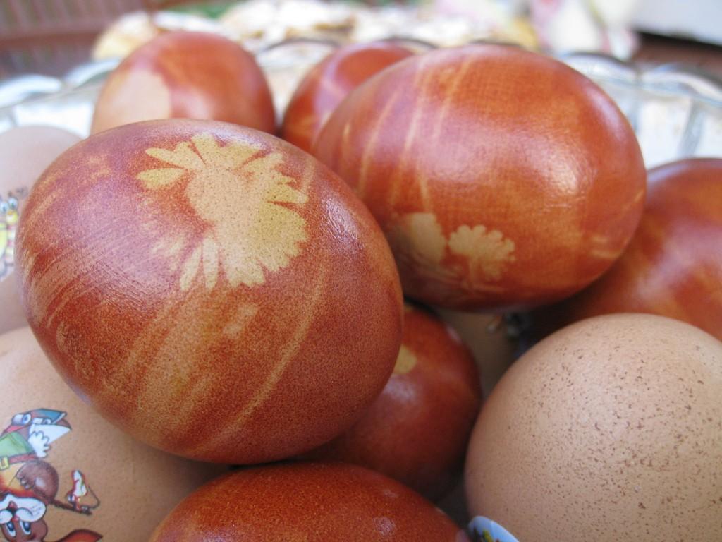 Painted wooden Easter eggs   © elPadawan / Flickr