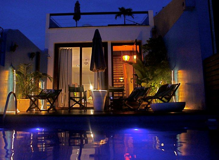 Aram Yami Pool at Night / Courtesy of Aram Yami