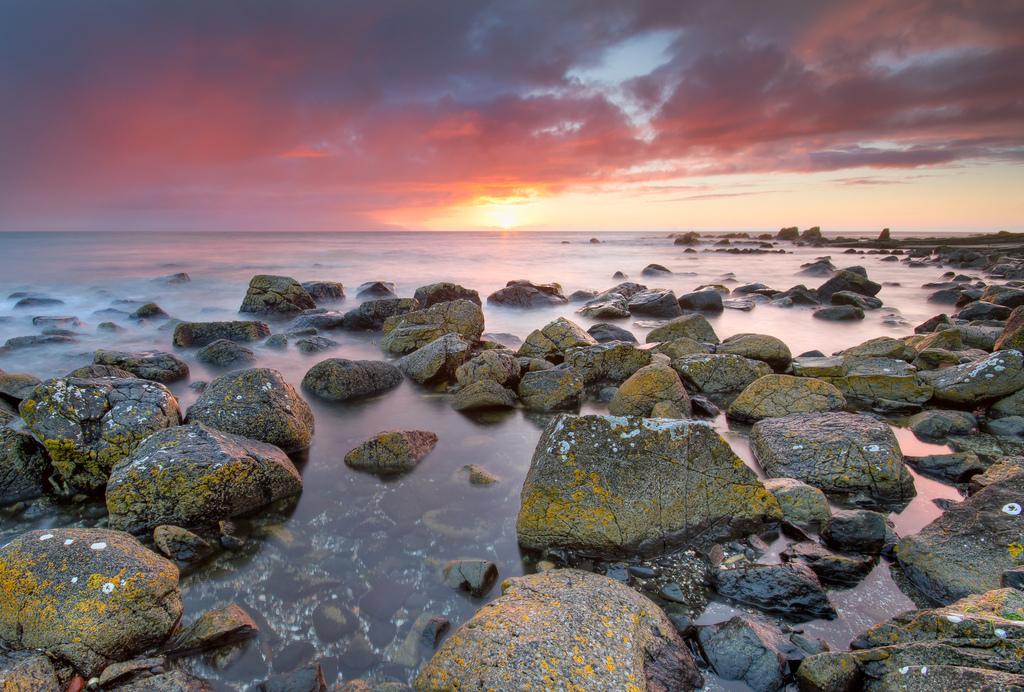 Sunset at Portstewart Beach | © Umberto Nicoletti/ Flickr