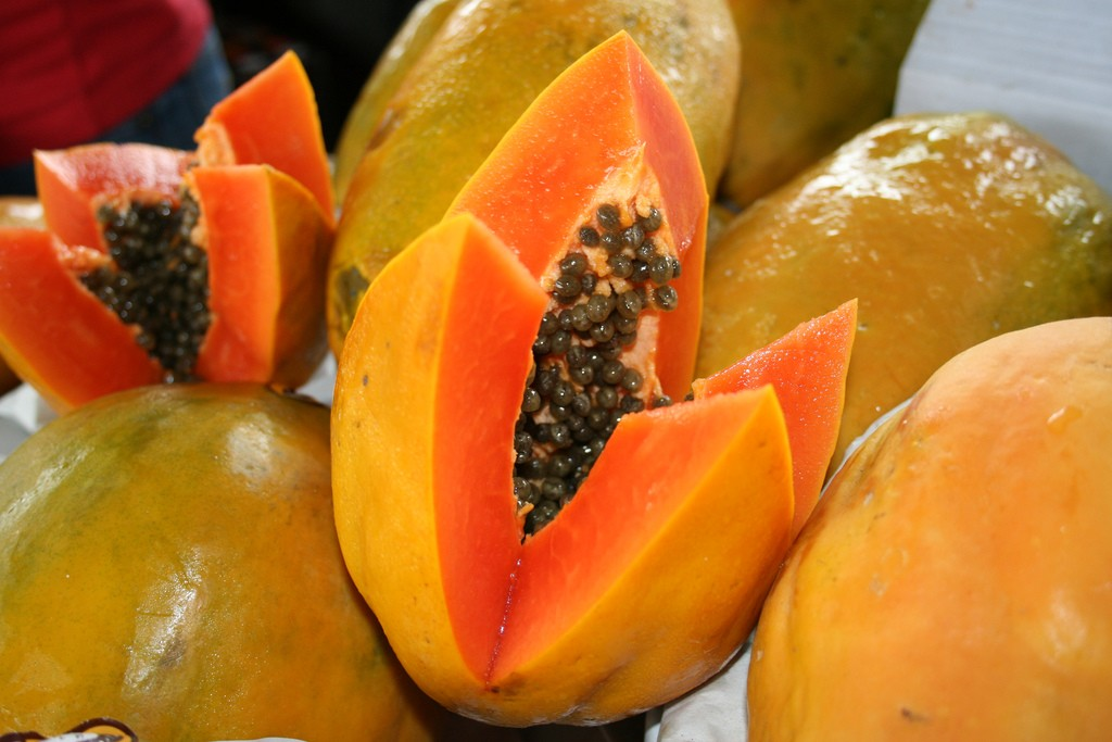 Pawpaw (papaya) © Ken/Flickr