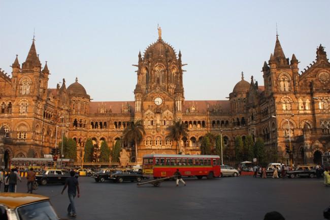 Mumbai, Chhatrapati Shivaji Terminus (Victoria Terminus) |© Arian Zwegers