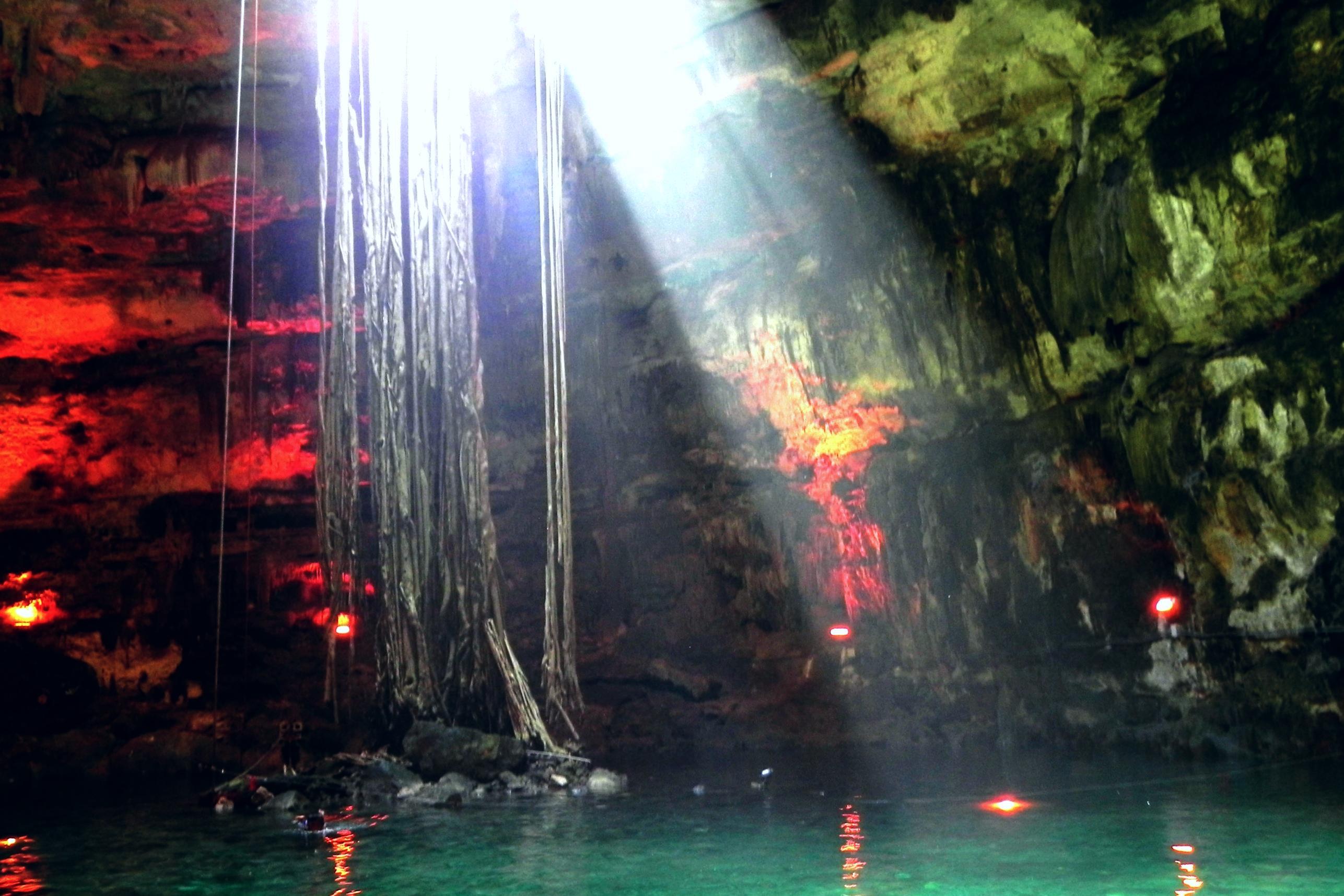 Cenote Samulá   © Razi Machay/Flickr