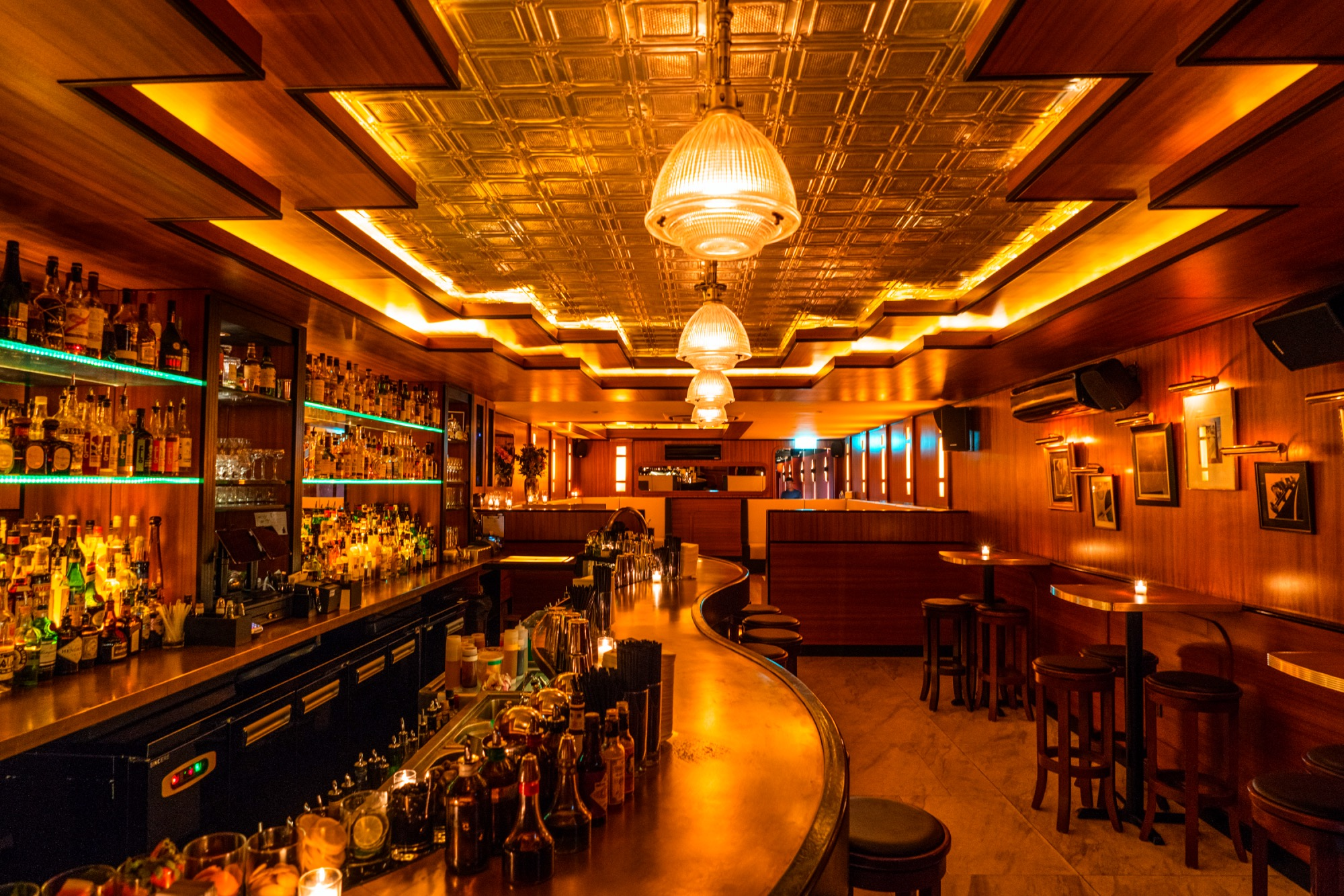 Romantic bars for date nights in singapore