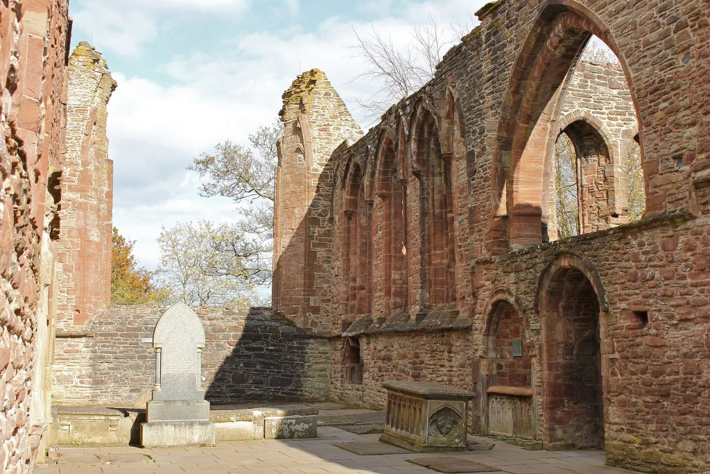 Beauly Priory | © Sobelevnrm/Flickr