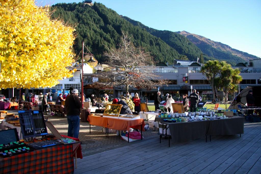Saturday Market in Queenstown | © ItravelNZ/Flickr