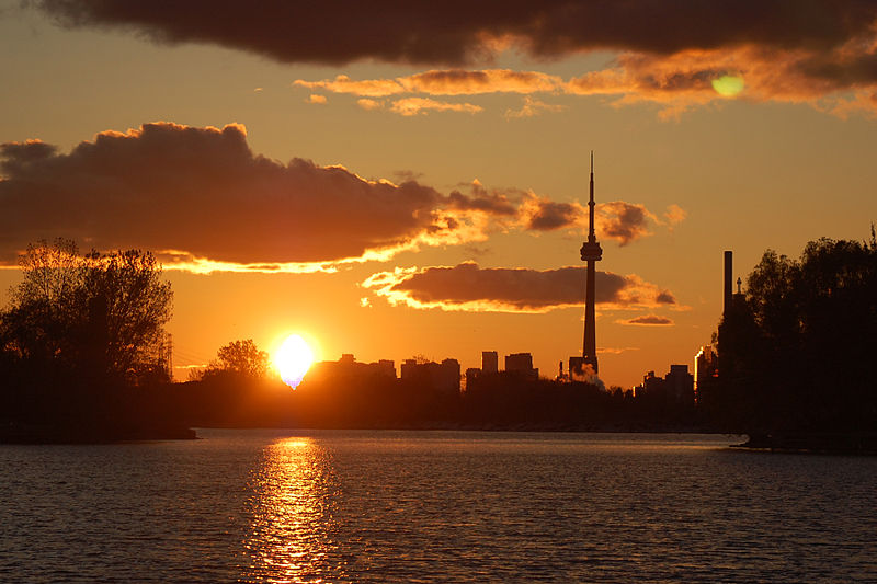 The CN Tower shot from Ashbridge's Bay, Toronto | © John Vetterli / WikiCommons