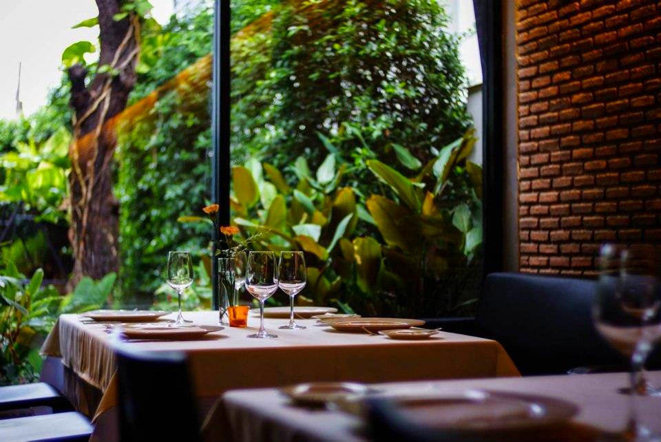 Wholly Cow steakhouse & wine bar | © Promote Restaurant/Flickr