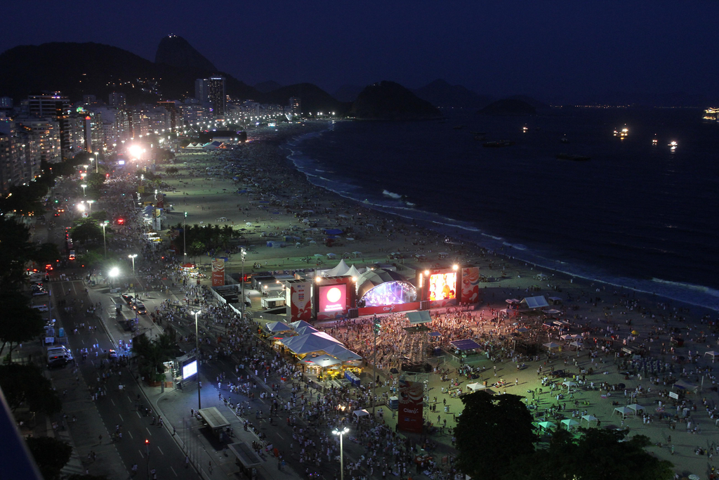 Copacabana at night |© Rafael Moraes | Riotur/Flickr