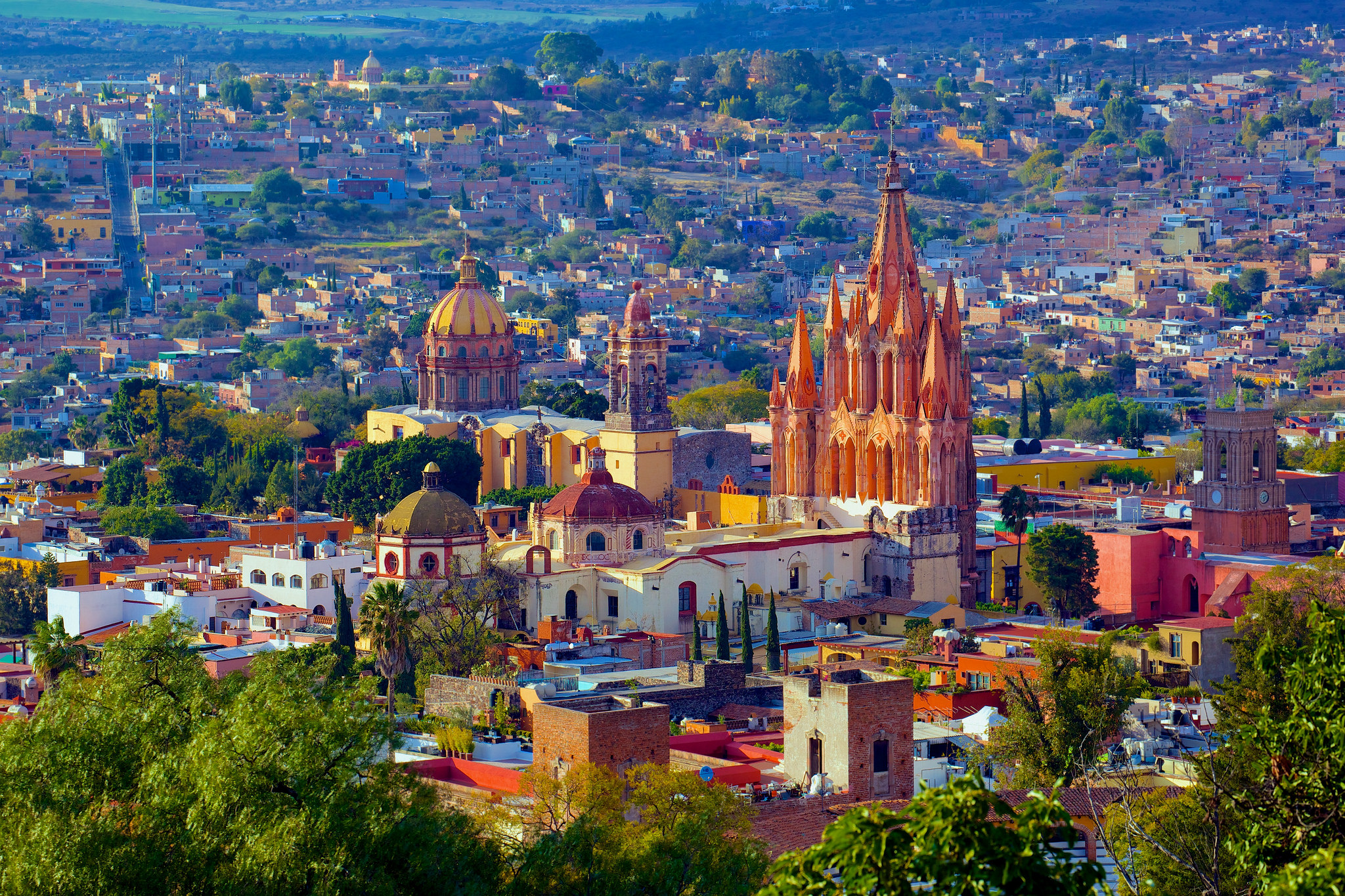 What better place to enjoy some wine than in beautiful San Miguel de Allende? | © Jiuguang Wang/Flickr