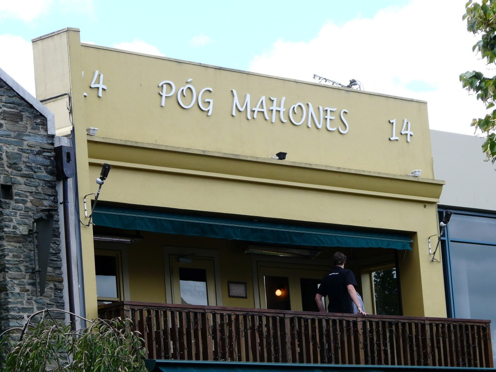 Pog Mahones Irish Pub & Restaurant, Queenstown | © Jane Nearing/Flickr