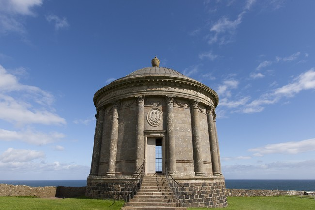 Mussenden Temple on the Downhill Strand | © Greg Clarke/ Flickr