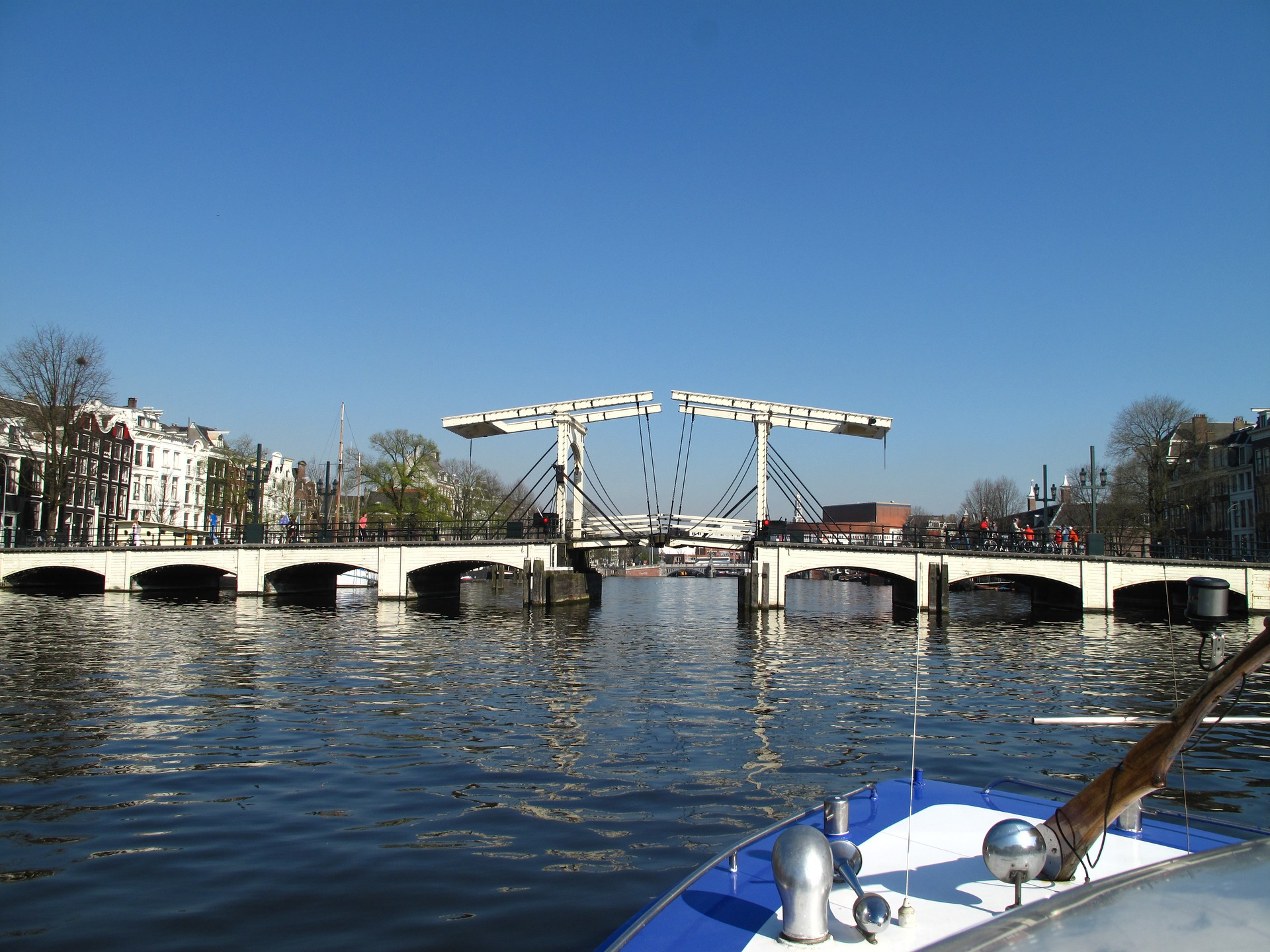 The most beautiful bridges in amsterdam for Design bridge amsterdam
