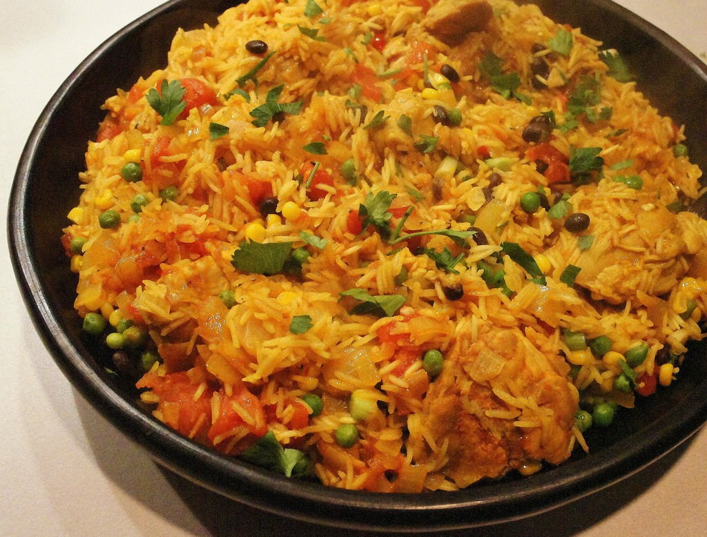 10 traditional foods you have to try in costa rica - Arroz salteado con pollo ...