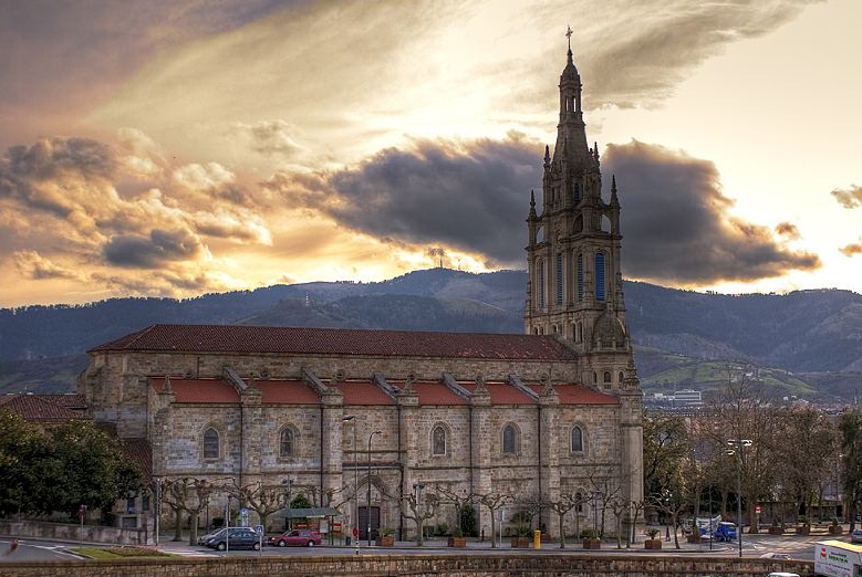 Basilica de Begoña, Bilbao | ©Alfa.Alfa / Wikimedia Commons