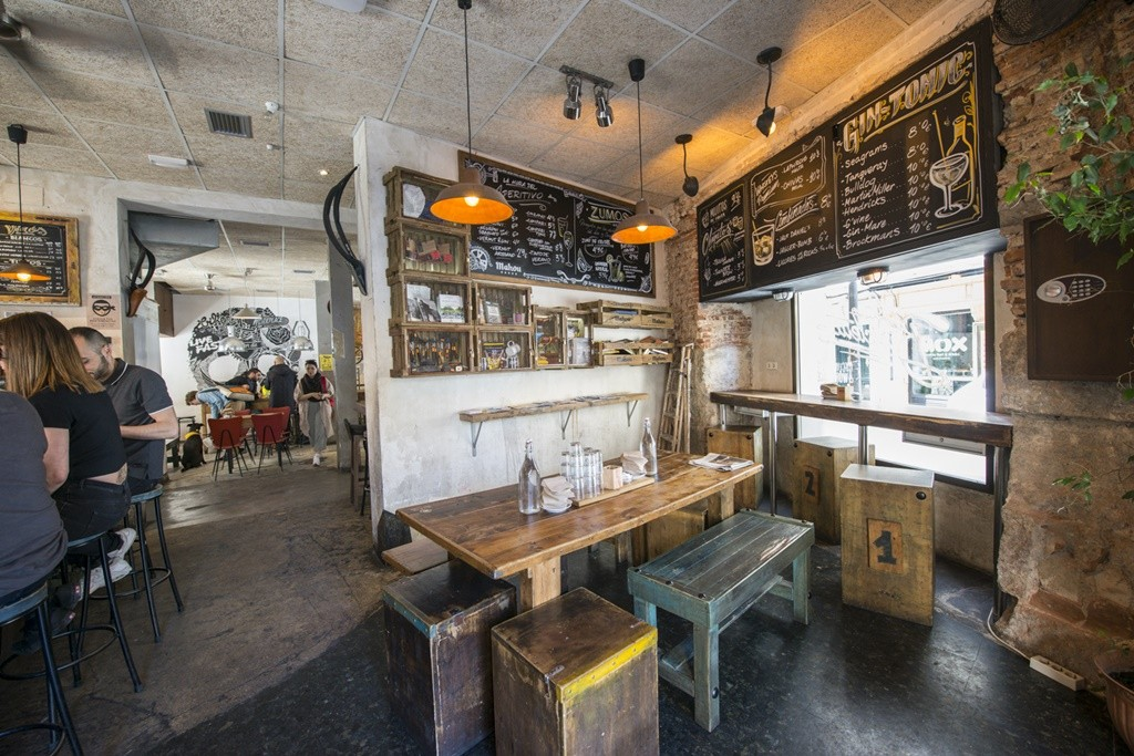 The inside of the Bicicleta coffee shop | © La Bicicleta