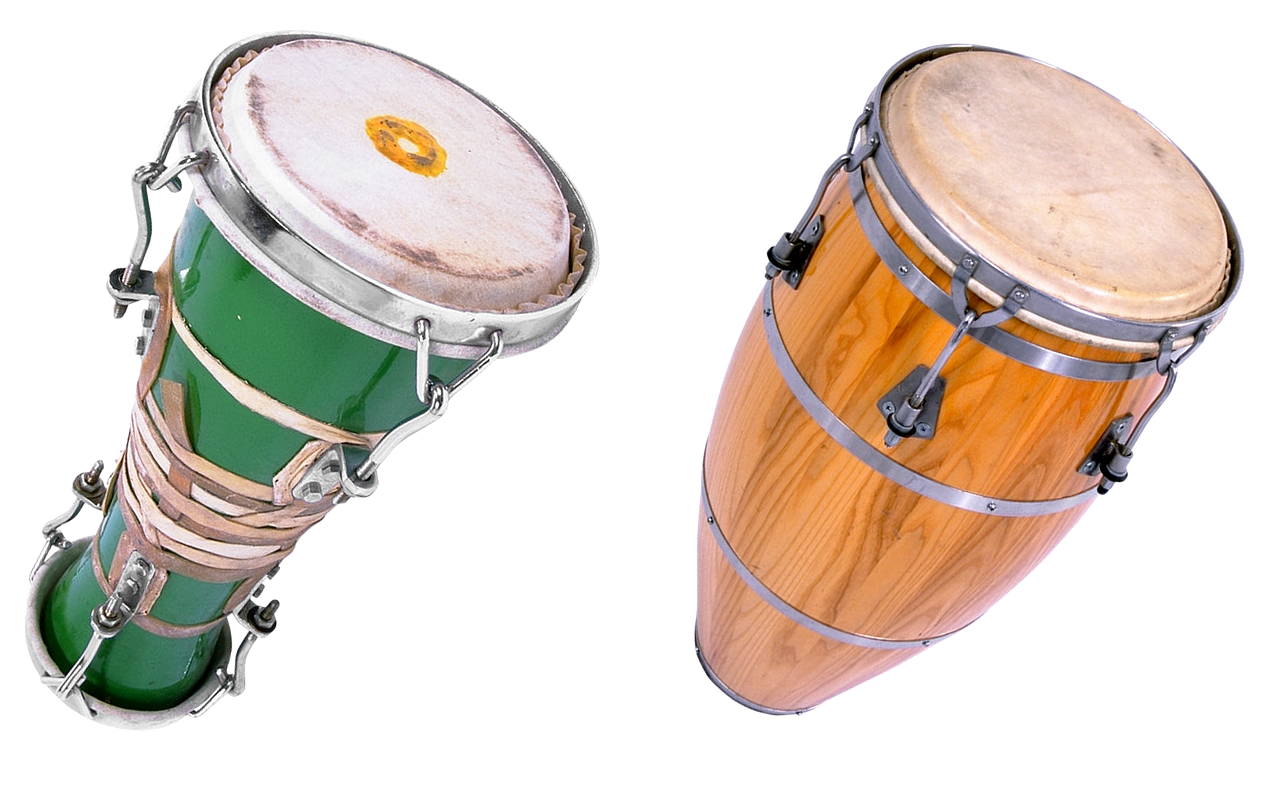 Bongo drums, an example of what you may hear in Bali Bar © Pixabay