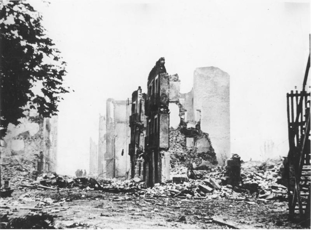 The ruins of the town of Guernica after the bombing |© Bundesarchiv, Bild 183-H25224/Wikipedia