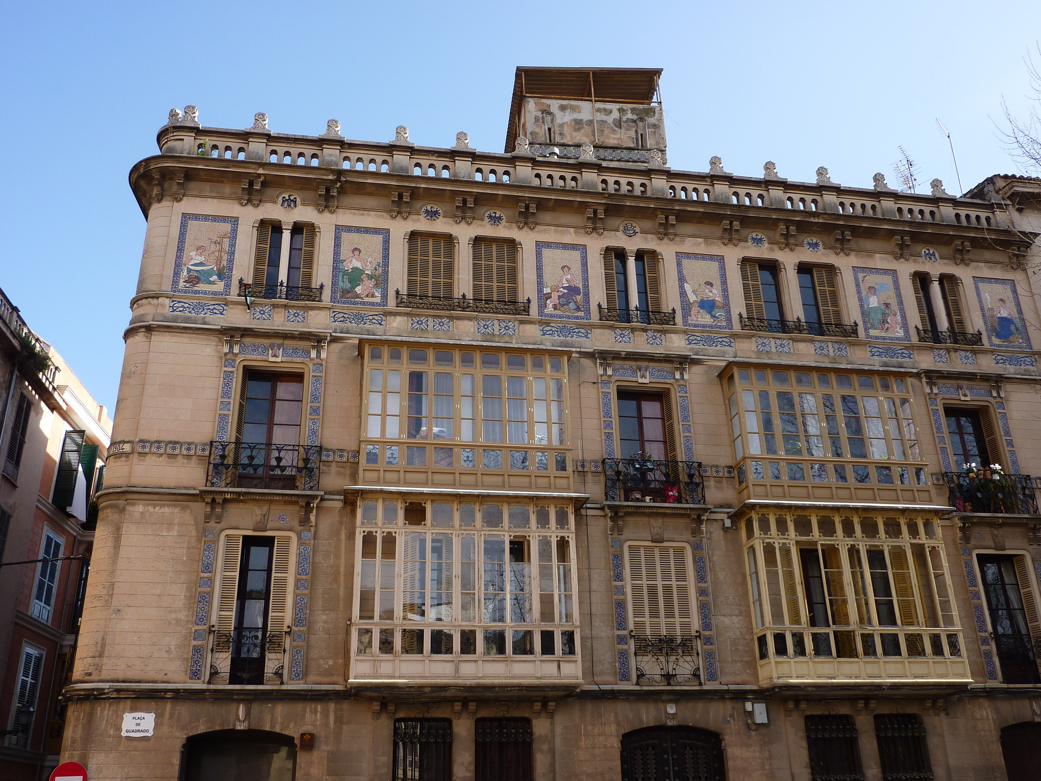 Top 10 things to see and do in palma de mallorca spain for Alquiler maquinaria mallorca