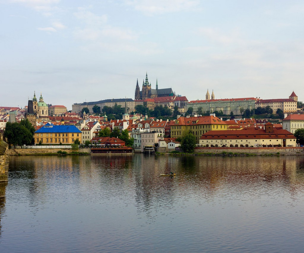 Prague Castle in the background | ©Andrew Shiva / Wikimedia Commons