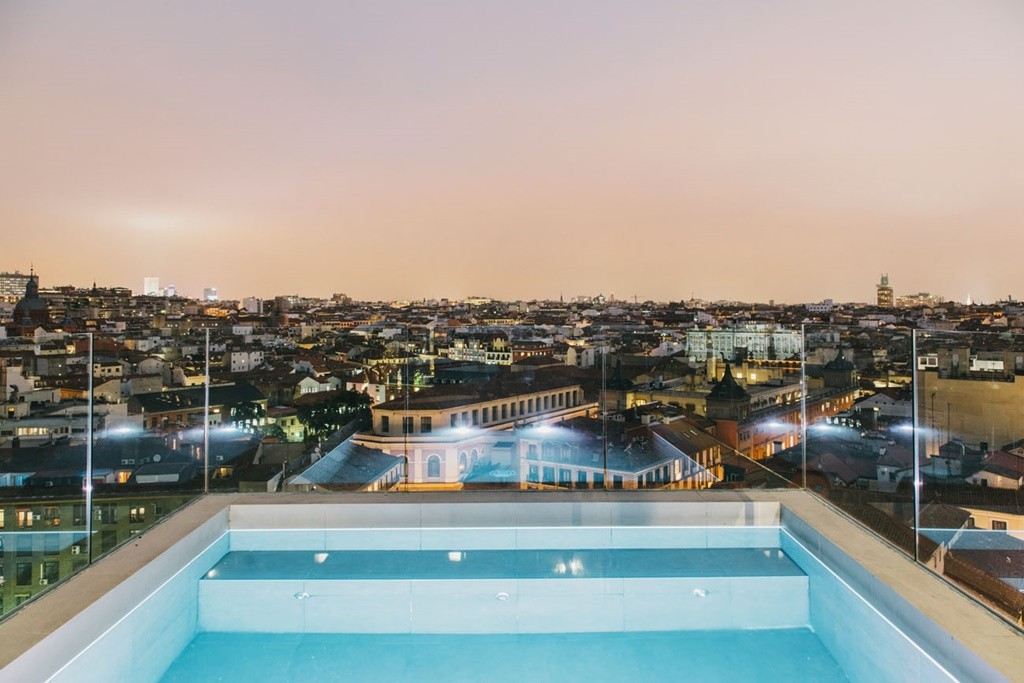 The pool and rooftop view at the Dear Hotel |© The Dear Hotel