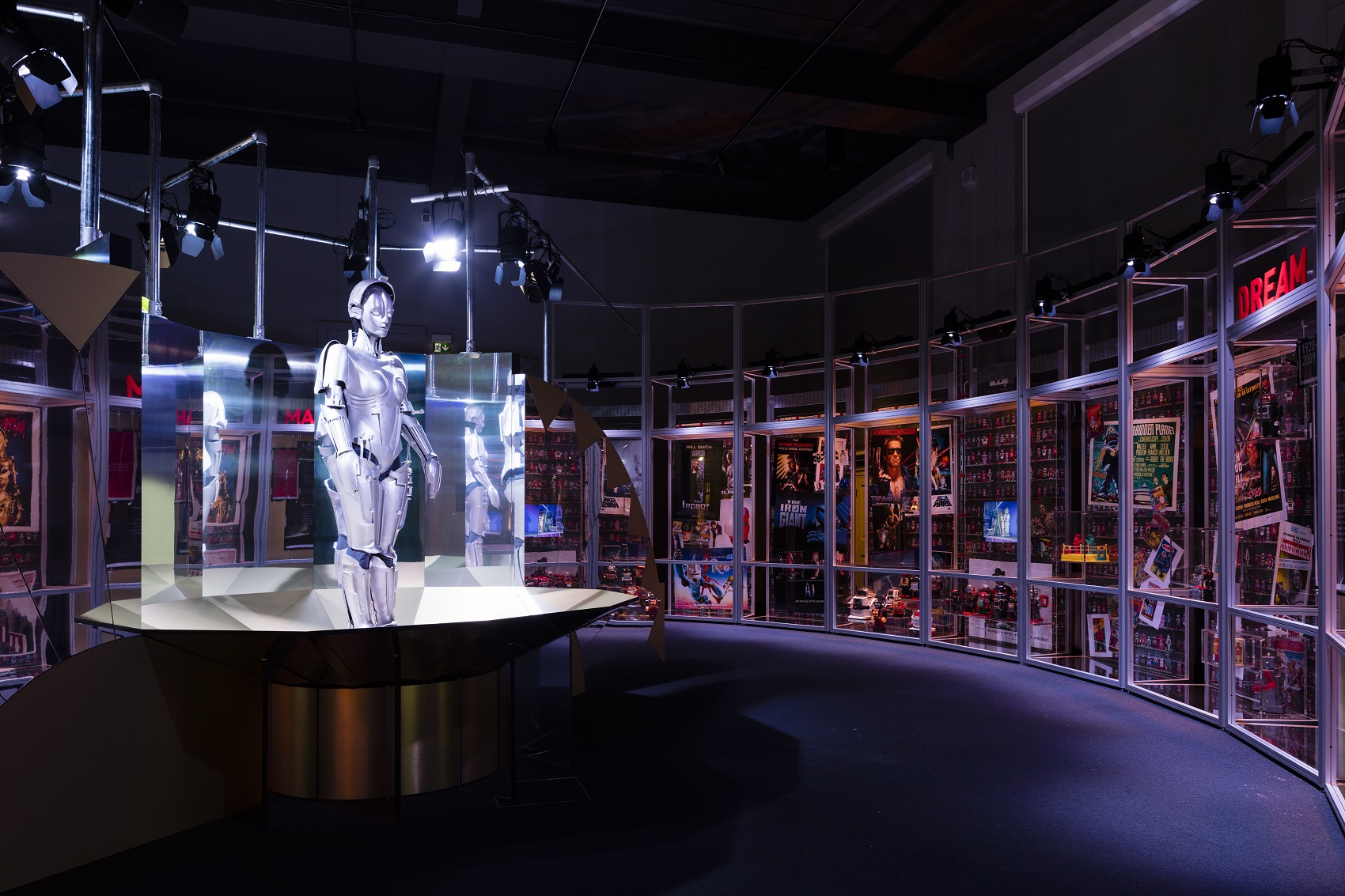 a visit to an science exhibition Our venues include powerhouse museum,  find out in this interactive exhibition featuring 200 original star wars  visit your favourite exhibitions for free.
